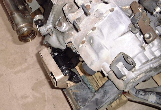 Bp Rubber Trans Mount on Gm 3800 Series Ii Engine
